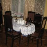 Столик у кімнаті Габсбургів