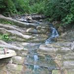Яворівський водоспад (біля дороги)