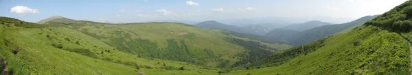 Звідти ми прийшли - зліва Петрос, на задньому плані Говерла і Чорногірський хребет