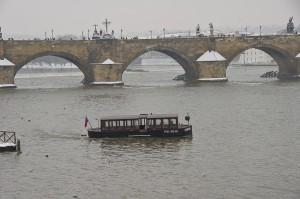 Карлів міст
