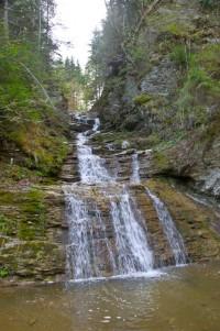 Буковинський водоспад