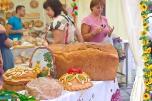 Гігантська буханка хліба