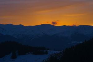 Захід сонця над Чорногорою